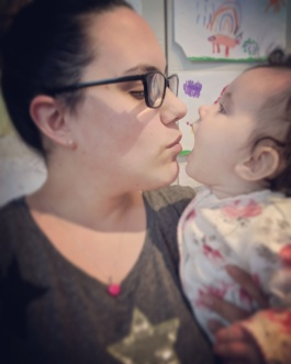 Lauren and amelia kisses